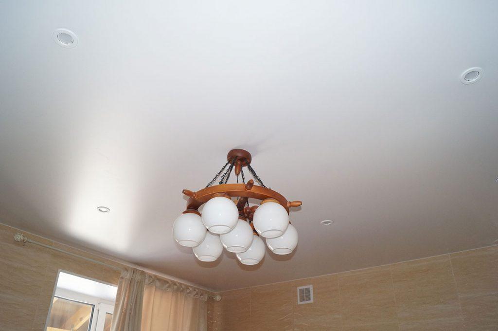 Матовый натяжной потолок в ванную 5.5м2