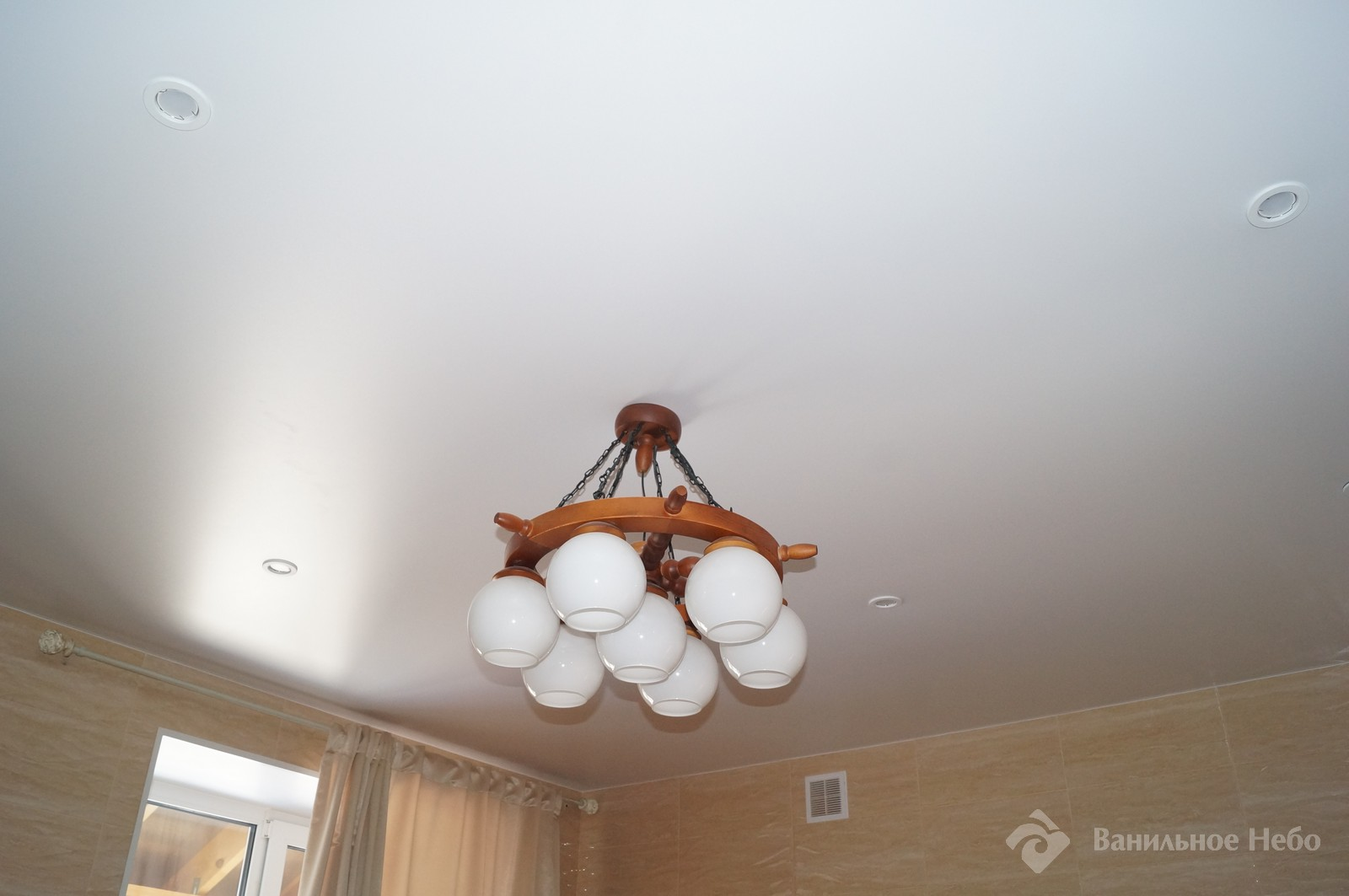 Матовый натяжной потолок в ванную 5.5м2 1